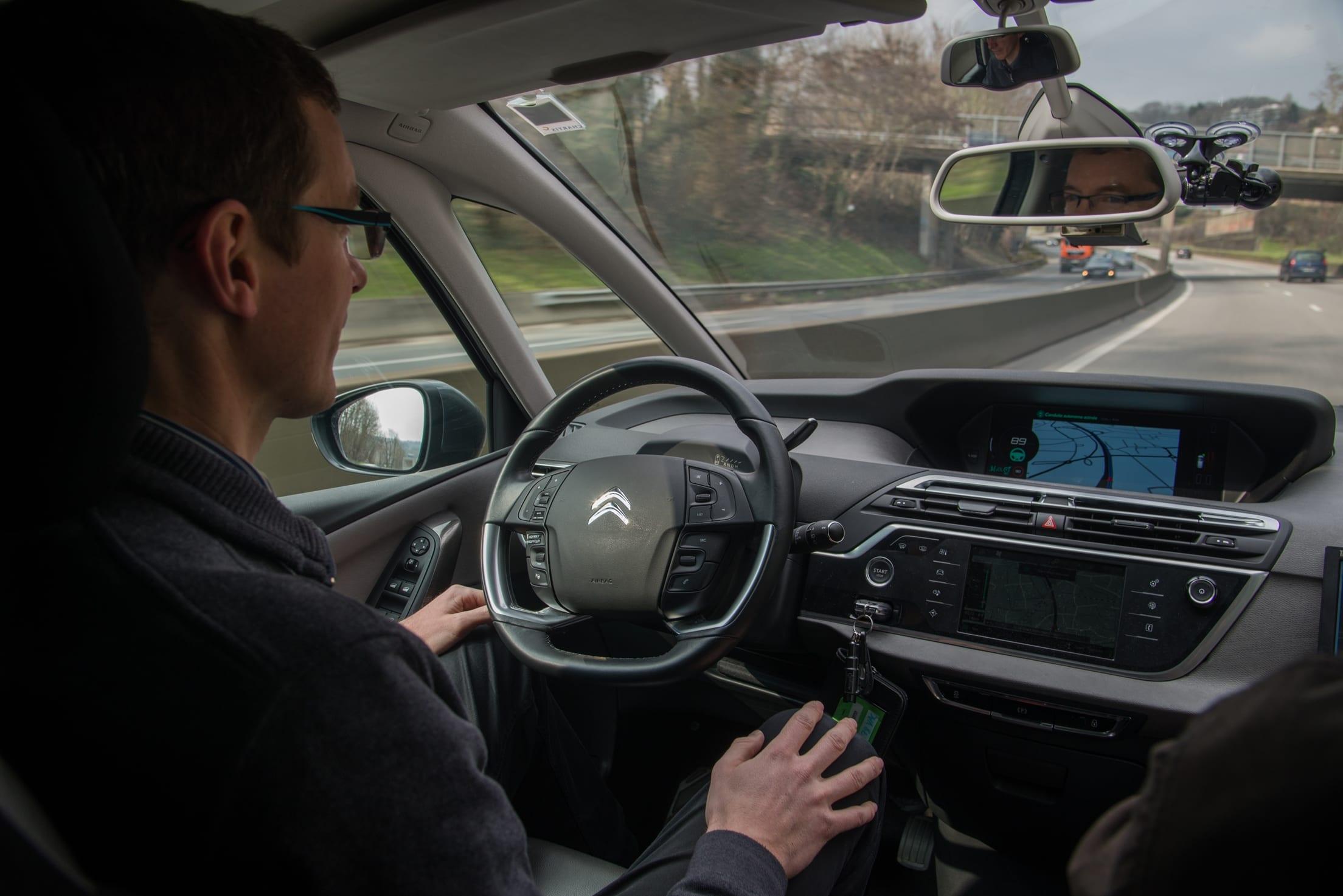 Grupa PSA chce być pionierem w Europie w dziedzinie autonomicznej jazdy.